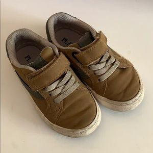 Casual Sneaker toddler Boy size 8